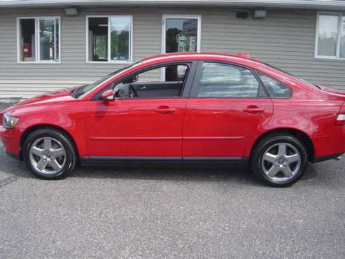 2006 VOLVO S40 T5 ** AWD ** LOW MILES ** GREAT SERVICE *** for sale in Farmington, MN