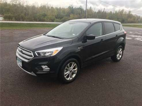 *REDUCED* 2019 Ford ESCAPE SE EXCELLENT 12,900 MILES for sale in Superior, MN