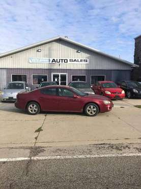 2005 Pontiac Grand Prix - cars & trucks - by dealer - vehicle... for sale in Kewanee, IL