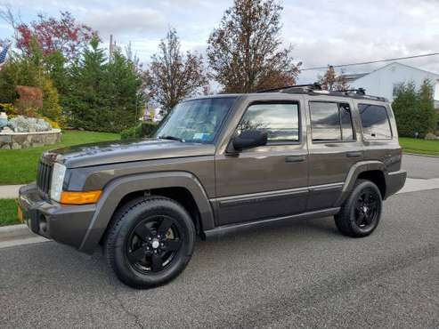 2006 JEEP COMMANDER - cars & trucks - by owner - vehicle automotive... for sale in Oceanside, NY