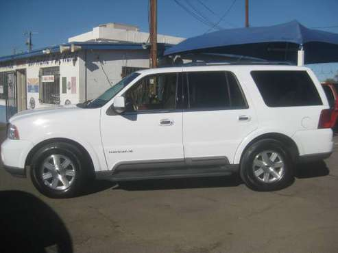 1 Owner low mile 2004 Lincoln Navigator - cars & trucks - by dealer... for sale in Phx, AZ