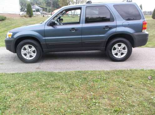 Ford Escape XLT 2005 Low Low Miles for sale in Alliance, OH
