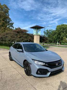 2017 Honda Civic Hatchback Sport 33K miles Gray. Perfect Condition for sale in Chicago, IL