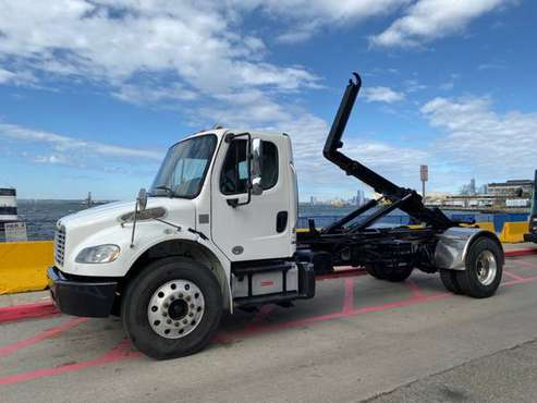 2014 FREIGHTLINER M2 HOOKLIFT NON CDL AUTOMATIC CUMMINS ENGIN-brooklyn for sale in STATEN ISLAND, NY