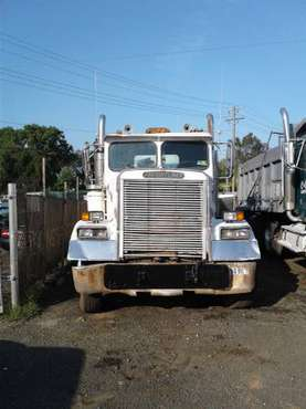 Dump truck freightliner Classic for sale in Sterling, District Of Columbia