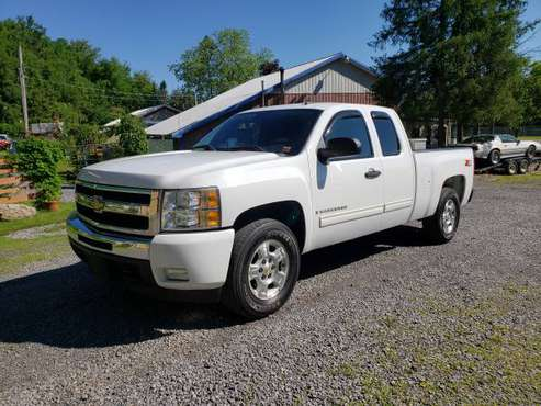 2009 Chevy Silverado LT 4X4 Z71-One Owner!! for sale in Whitesboro, NY