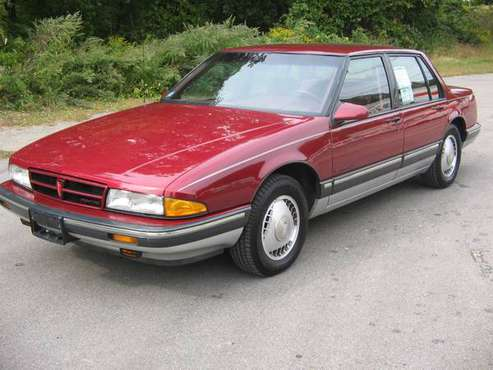 1988 Pontiac Bonneville SE stunning - cars & trucks - by dealer -... for sale in Upton, MA
