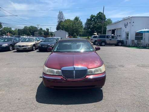 1998 Lincoln Town Car 4dr Sdn Cartier - cars & trucks - by dealer -... for sale in East Windsor, CT