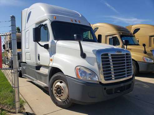2015 Freightliner Cascadia SKU:2707G for sale in Chicago, IL