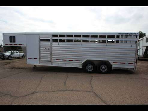 2017 Featherlite Trailers 9651 Horse Trailer - GET APPROVED!! for sale in Evans, CO
