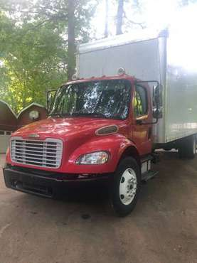2009 Freightliner 26 Box w/liftgate Cummings/Allison for sale in Fairburn, GA