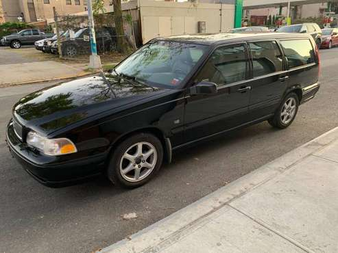 2000 Volvo V70 Wagon, 80k Miles , clean title and carfax, great cond. for sale in Brooklyn, NY