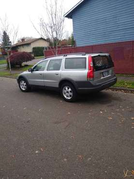2004 AWD Volvo xc 70 clean car fax report and title for sale in Happy valley, OR