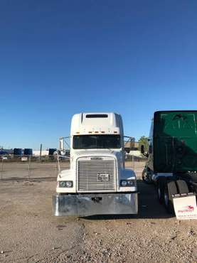 2001 Freightliner FLD for sale in Midlothian, TX