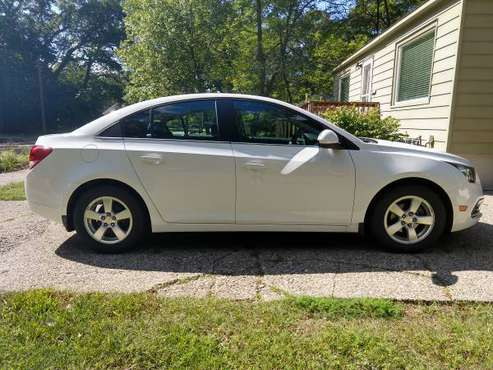White 2015 Chevy Cruze LT Sedan - CLEAN TITLE! SUPERB CONDITION! for sale in Muskegon, MI