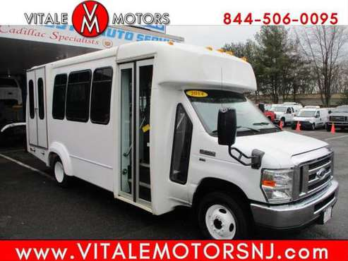 2014 Ford Econoline E350 ** 14 PASSENGER ** WHEEL CHAIR, HANDICAPPED... for sale in south amboy, MO