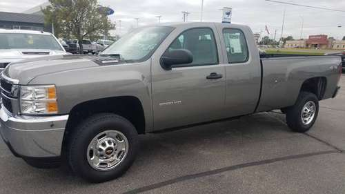 2013 Chevrolet 2500 Ext cab Long box 4*4 for sale in Rochester, MN