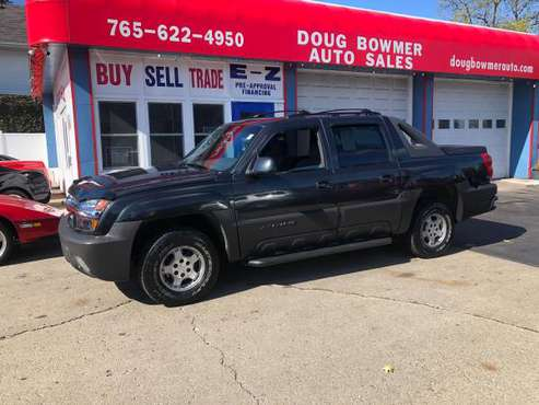 2002 CHEV AVALANCHE 4X4 AC LOADED RUNS GREAT SNOW IS HERE 4X4 for sale in Anderson, IN
