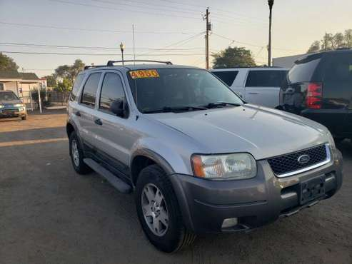 2004 FORD ESCAPE XLT 4X4 - cars & trucks - by dealer - vehicle... for sale in Sparks, NV