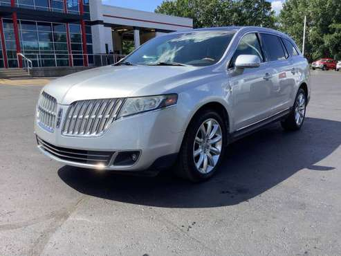 Low Mileage! 2010 Lincoln MKT! Loaded! Third Row! - cars & trucks -... for sale in Ortonville, MI