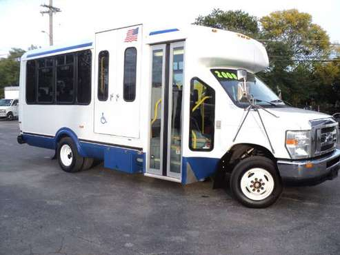 2010 FORD E450 SHUTTLE BUS HANDICAP ACCESSIBLE WHEELCHAIR LIFT for sale in skokie, IN