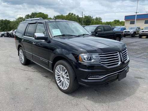 2016 Lincoln Navigator - Financing Available! - cars & trucks - by... for sale in Harrisonville, MO