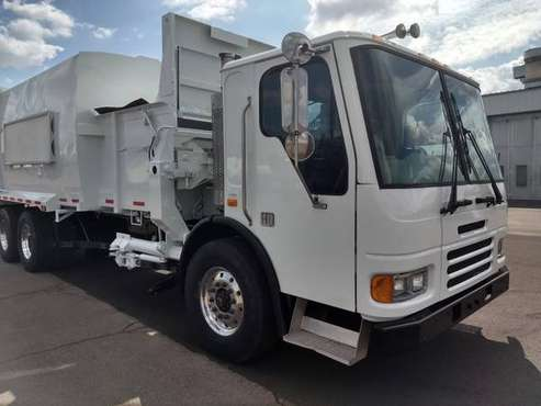 (2) 2007 Curbtender Garbage Truck 31 Yard Auto Side Load AZ Rust Free for sale in Irvington, NY
