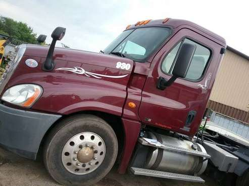 2012 Freightliner Cascadia 125 T/A Day Cab RTR# 9073196-01 for sale in Saint Cloud, MN