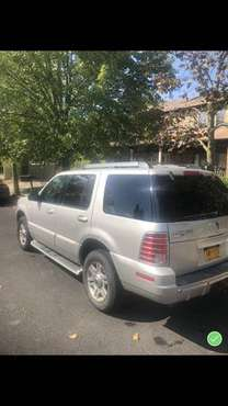2005 Mercury Mountaineer AWD V8 for sale in STATEN ISLAND, NY