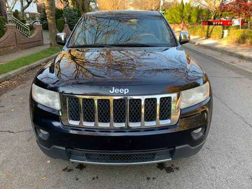 2011 Jeep Grand Cherokee Overland 4WD, 5.7L HEMI Fully Loaded - cars... for sale in Rego Park, NY