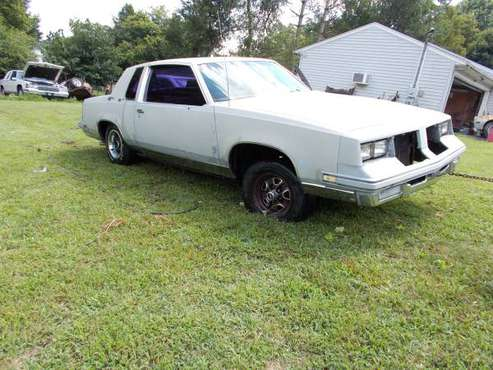 1984 OLDSMOBILE CUTLASS SUPREME --ROLLER for sale in gray tn. 37615,, TN