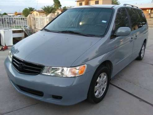 **Honda odyssey like new clean title** for sale in El Paso, TX