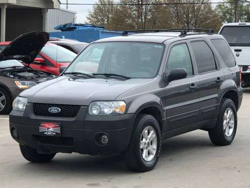 2006 FORD ESCAPE. 4X4.ONLY 136K.RUNS GREAT.FINANCING for sale in Omaha, NE