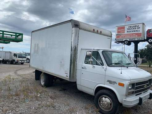 1994 box truck . Runs excellent. 16ft box truck. Slightly negotiable for sale in Euless, TX