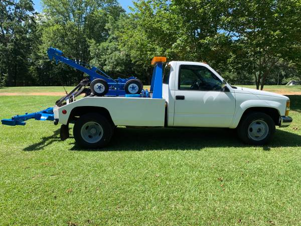 98 Chevy Tow truck for sale in Beaumont, TX – photo 2