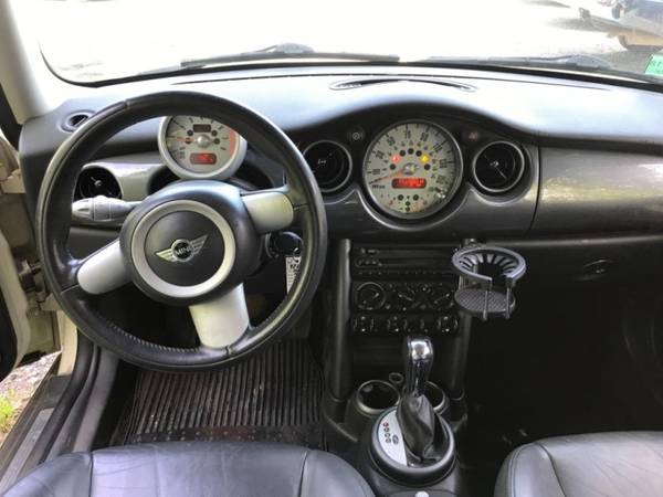 2005 MINI Cooper Hardtop 2dr Cpe== Great condition==Needs... for sale in Stoughton, MA – photo 12