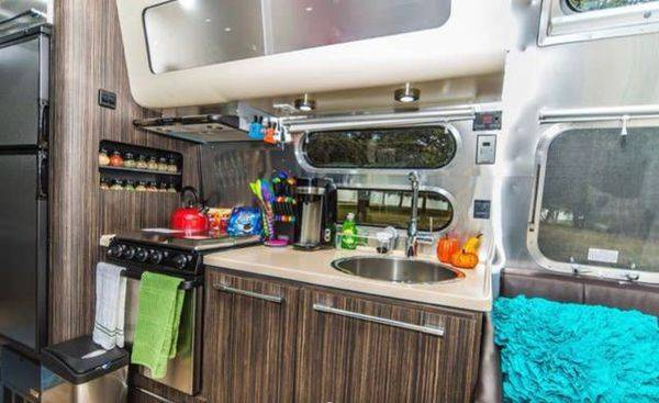 2018 Airstream Tommy Bahama 27FB Relax Edition Financing ...