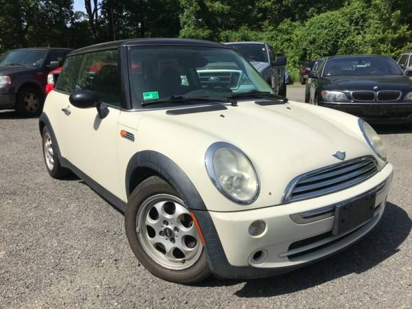 2005 MINI Cooper Hardtop 2dr Cpe== Great condition==Needs... for sale in Stoughton, MA