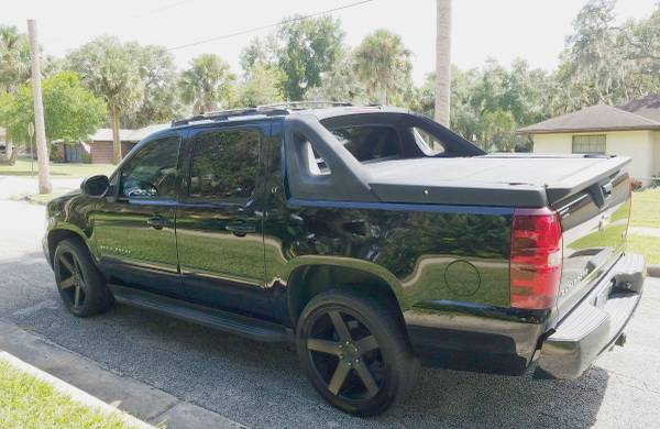 2007 Chevy Avalanche LT for sale in Glenwood, FL – photo 6